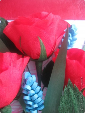 Эти розы я хотела сделать, как только увидела МК, который сделала для нас Наталия- 54 http://stranamasterov.ru/node/10626?c=favorite_a Спасибо ей огромное!!! А корзиночку я училась делать по МК Ольги Ольшак здесь http://stranamasterov.ru/node/146378 Спасибо, Ольга! фото 4