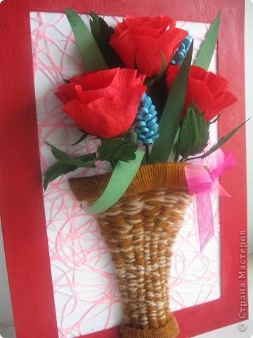 Эти розы я хотела сделать, как только увидела МК, который сделала для нас Наталия- 54 http://stranamasterov.ru/node/10626?c=favorite_a Спасибо ей огромное!!! А корзиночку я училась делать по МК Ольги Ольшак здесь http://stranamasterov.ru/node/146378 Спасибо, Ольга! фото 6