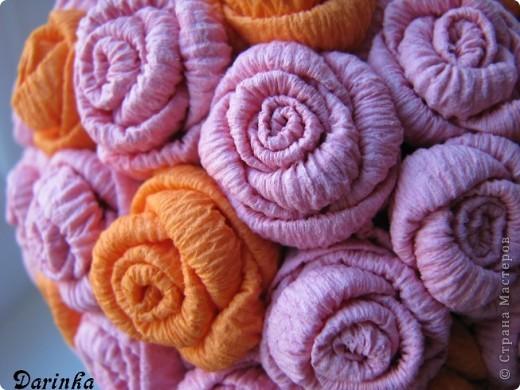 Здравствуйте уважаемые жители СМ!Наконец то пришла настоящая весна,зацвели абрикосы и на душе стало тепло и радостно!Захотелось сделать что-нибудь новенькое и цветущее,вдохновением послужили работы Олисандры  и её  МК роз из салфеток(спасибо большое).   Вот такое деревце получилось у меня. фото 4