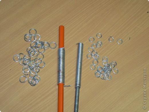 Настоящая кольчуга делается из стальной проволоки, имеет вес от 6 до 20 кг. фото 9