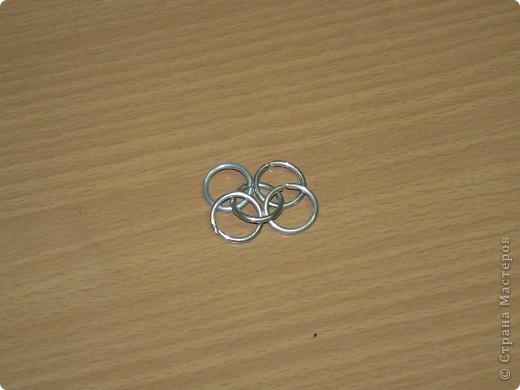 Настоящая кольчуга делается из стальной проволоки, имеет вес от 6 до 20 кг. фото 15