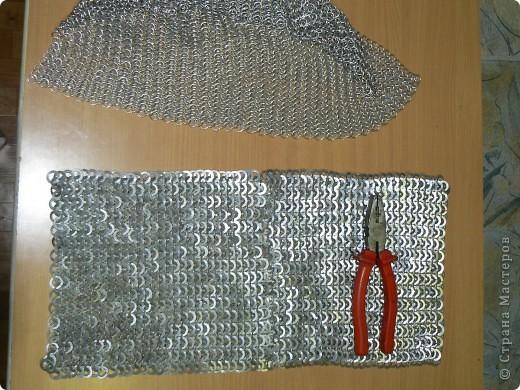 Настоящая кольчуга делается из стальной проволоки, имеет вес от 6 до 20 кг. фото 18