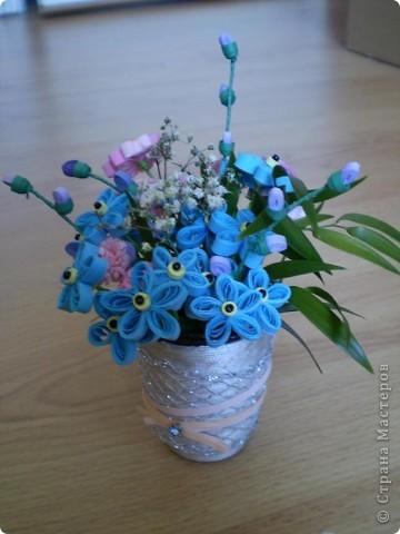 Незабудки разбавила розовыми цветочками и листочками из букета.  фото 1