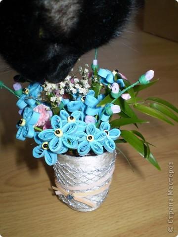 Незабудки разбавила розовыми цветочками и листочками из букета.  фото 3