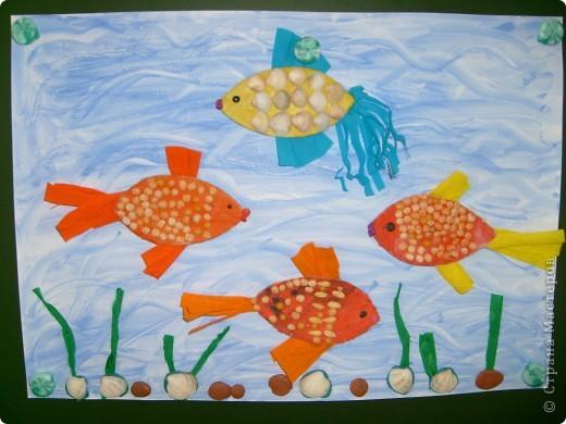 С детьми старшей группы сделали вот таких симпотичных рыбок. фото 1