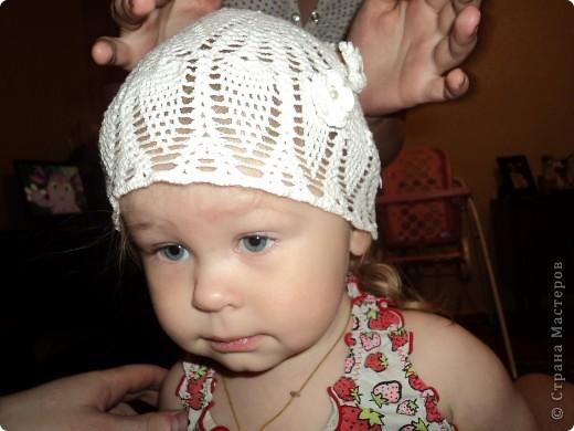 Вот такая летняя шапочка у меня получилась, доче понравилась. Стояла любовалась на себя в зеркало. ) фото 2