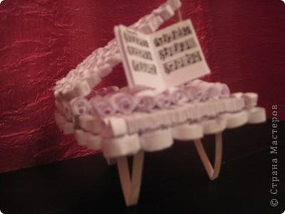 увидела на сайте прекрасные работы роялей и самой захотелось сделать что-то подобное. сама давно играю  и мечтаю о белом рояле. теперь он у меня есть, хотя немножко уменьшенная версия) фото 1