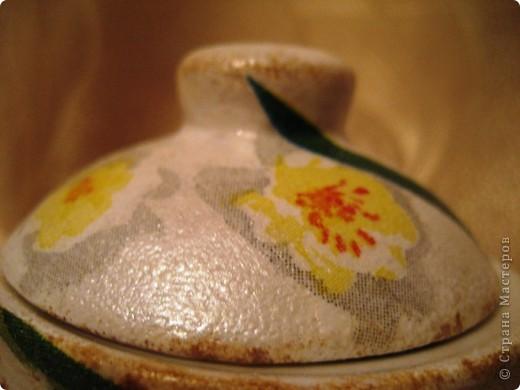 Это моя первая работа, выполненная на заказ. Пожелания заказчицы: белая сахарница, изображение черепахи обязательно, рисунок в зеленовато-коричневых тонах. Придумывалось очень долго, и все было не то. А представленный вариант родился и воплотился за один вечер. фото 6