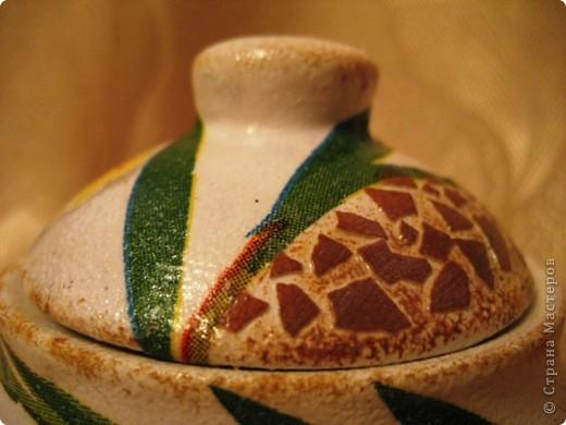 Это моя первая работа, выполненная на заказ. Пожелания заказчицы: белая сахарница, изображение черепахи обязательно, рисунок в зеленовато-коричневых тонах. Придумывалось очень долго, и все было не то. А представленный вариант родился и воплотился за один вечер. фото 7