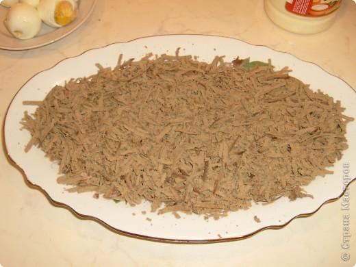 Салат Воздушный я научилась готовить у своей мамы. Делаем мы его давно, а воздушный называется потому, что очень нежный и натирается на терке на весу. фото 7