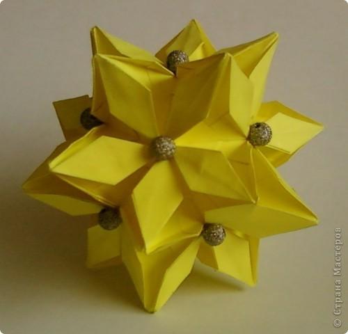 Name: Rafaelita Designer: Ekaterina Lukasheva Parts: 30 Paper:7*7cm Joint: glue фото 1