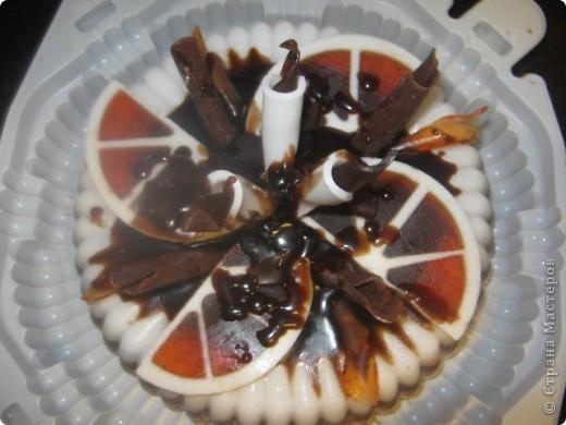 Вот и у меня появился повод сделать свой первый мыльный тортик, делался на заказ, на юбилей фото 2