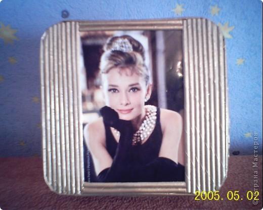 очень долго возилась с этой коробочкой, если бы не Одри, наверно, осталась бы она без крышечки. фото 1