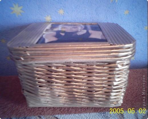 очень долго возилась с этой коробочкой, если бы не Одри, наверно, осталась бы она без крышечки. фото 2