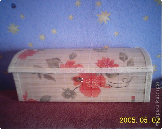 очень долго возилась с этой коробочкой, если бы не Одри, наверно, осталась бы она без крышечки. фото 5