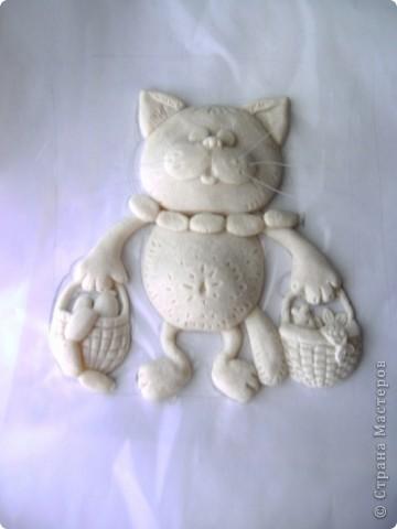 Кот выполненен из соленого теста. фото 1