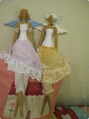 Хотела их сделать ночными феями, в ночных рубашках, но не вышло. Королевешны - и всё! фото 1