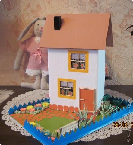 """Такой домик сделали мы с внуком в школу на урок """"Образотворче мистецтво"""" фото 1"""