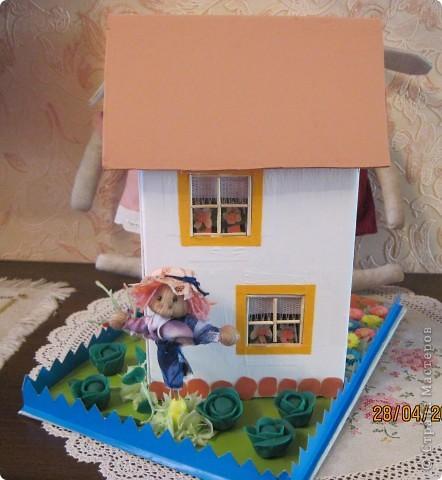 """Такой домик сделали мы с внуком в школу на урок """"Образотворче мистецтво"""" фото 2"""