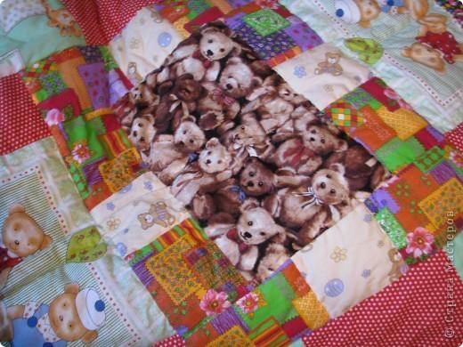 Детское лоскутное одеяло фото 1