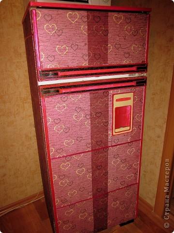 Вот такой вот получился у меня ретро-падорочный холодильник! И это мой первый опыт в технике декупаж)) Решила сразу рискнуть) фото 4