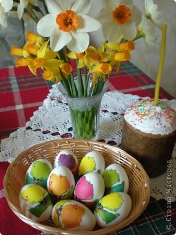 Яйца украшаю бумажными салфетками. фото 4