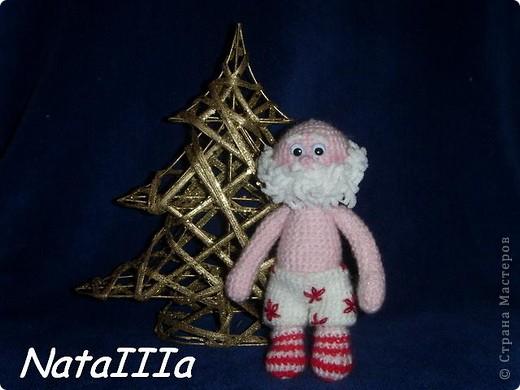 Эти игрушки я вязала к Новому году 2009/2010. За эту необычную гирлянду спасибо Меджик, по ее описанию она и была связана. фото 3