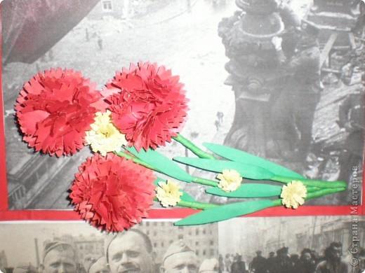 Считаю День Победы самым важным праздником для всей России.1941 - 1945 гг. 4 года войны  и даже спустя столько лет наша боль утрат не угасла и не  стала слабее!  фото 5