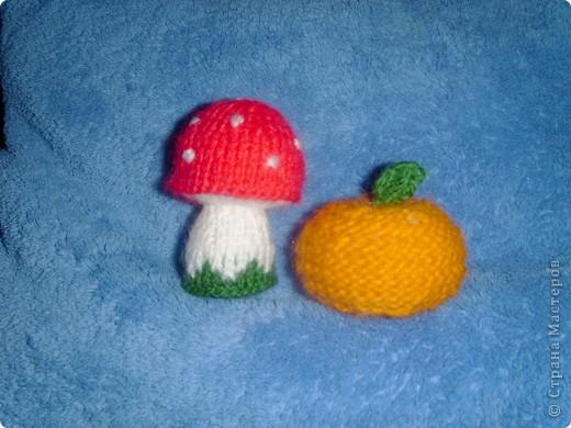 Эти игрушки я вязала к Новому году 2009/2010. За эту необычную гирлянду спасибо Меджик, по ее описанию она и была связана. фото 8