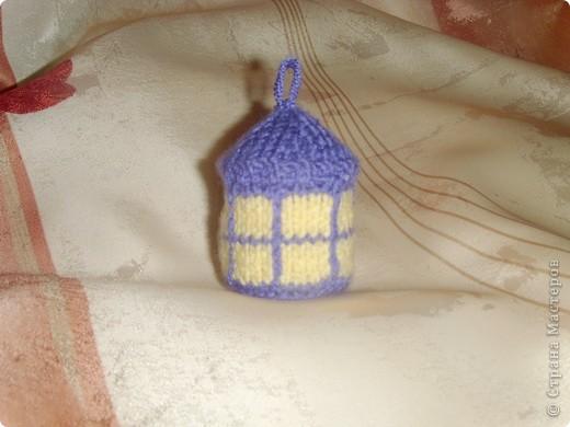 Эти игрушки я вязала к Новому году 2009/2010. За эту необычную гирлянду спасибо Меджик, по ее описанию она и была связана. фото 9