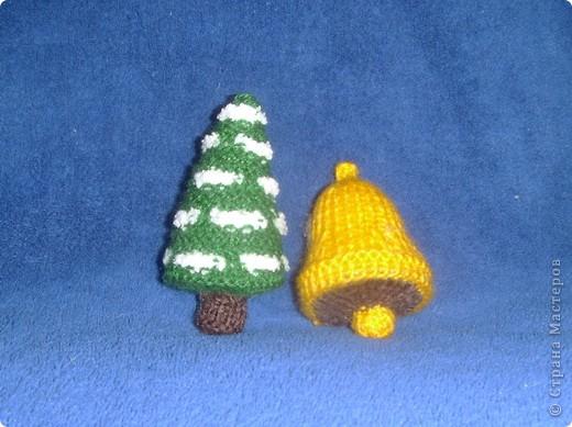 Эти игрушки я вязала к Новому году 2009/2010. За эту необычную гирлянду спасибо Меджик, по ее описанию она и была связана. фото 10