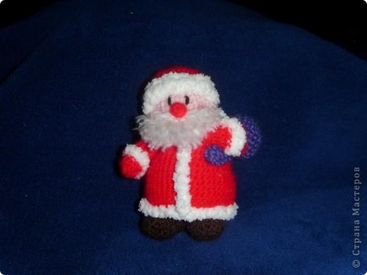 Эти игрушки я вязала к Новому году 2009/2010. За эту необычную гирлянду спасибо Меджик, по ее описанию она и была связана. фото 13