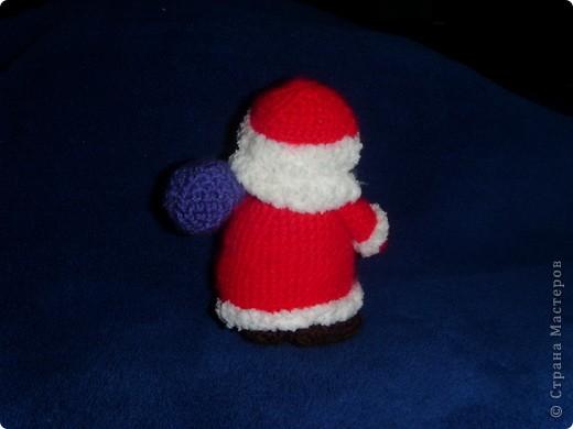 Эти игрушки я вязала к Новому году 2009/2010. За эту необычную гирлянду спасибо Меджик, по ее описанию она и была связана. фото 15