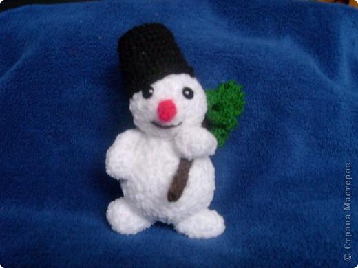 Эти игрушки я вязала к Новому году 2009/2010. За эту необычную гирлянду спасибо Меджик, по ее описанию она и была связана. фото 16