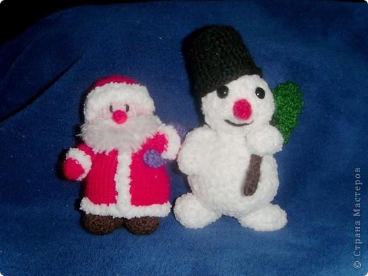 Эти игрушки я вязала к Новому году 2009/2010. За эту необычную гирлянду спасибо Меджик, по ее описанию она и была связана. фото 12