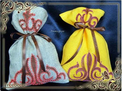 Мешочки для подарков с бархатным узором