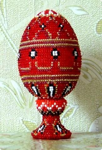 """сувенирное яйцо из бисера """"красное"""" фото 1"""