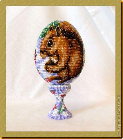 """сувенирное яйцо из бисера """"на лесной опушке"""" фото 3"""