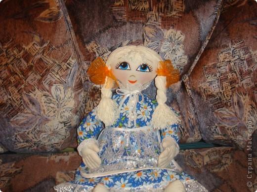 Решила сделать блондинку с большими голубыми глазами
