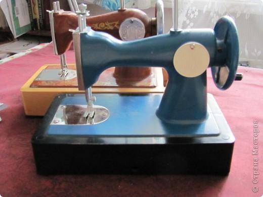 Нужна помощь. Советская детская швейная машинка фото 1
