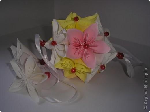 Вот такая нежность у меня получилась из остатков цветочков из дерева, которое было на выставке. фото 2