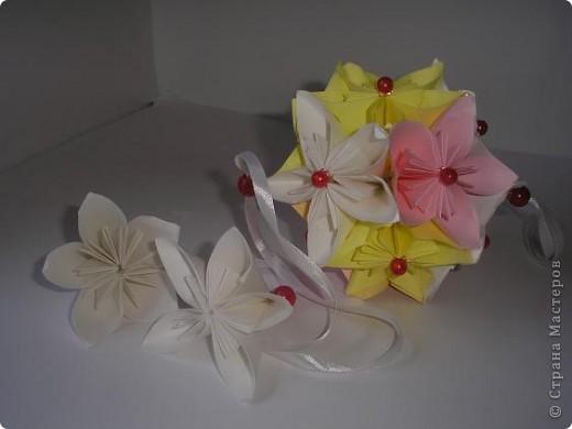 Вот такая нежность у меня получилась из остатков цветочков из дерева, которое было на выставке. фото 3