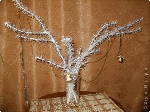 Украшенные   травкой  веточки  как то  бледно  смотрелись в банке из под компота, пришлось взяться  за  декор фото 1