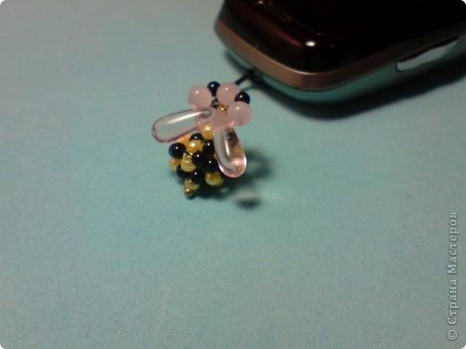 Внучке подарили телефончик на ДР и к нему прилетела пчелка... фото 1