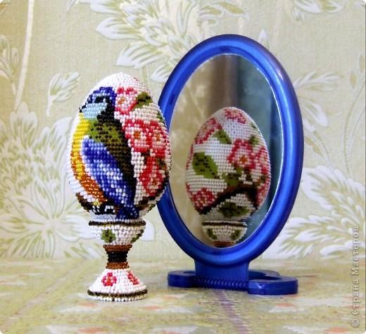 """сувенирное яйцо из бисера """"синички"""" фото 2"""