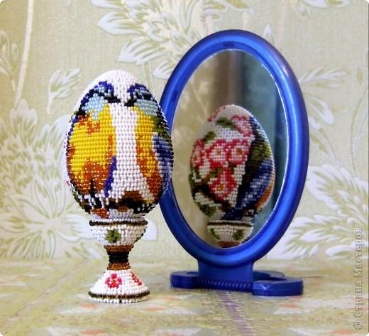 """сувенирное яйцо из бисера """"синички"""" фото 3"""