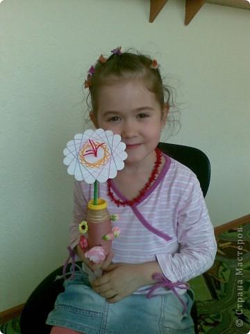 Такие веселые цветы сделали с детками за два занятия. фото 7