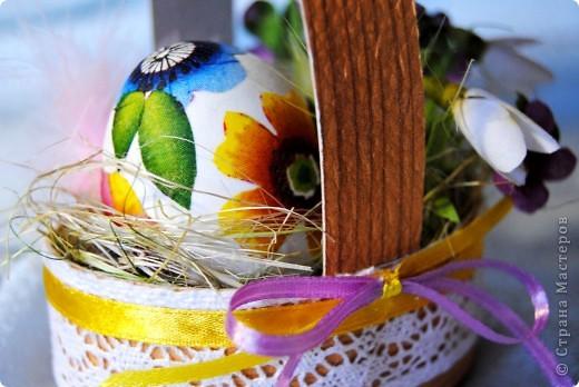 Эта работа и остальные выполнены моими учениками к конкурсу, который ежегодно проводит Сретенский собор и городская администрация.Цветы сделаны из ткани. фото 9