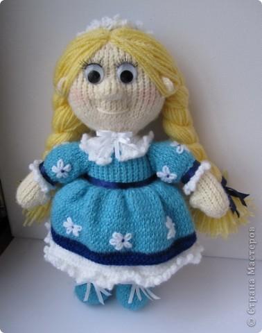 Эти куколки покорили всех!! А создала их Наталья (natali7775) Они просто бесподобны!! Их до сих пор вяжут на Сатилине онлайн, так что заходите, регистрируйтесь и вяжите на здоровье! Эту куколку я вязала новорожденной девочке. фото 8