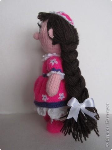 Эти куколки покорили всех!! А создала их Наталья (natali7775) Они просто бесподобны!! Их до сих пор вяжут на Сатилине онлайн, так что заходите, регистрируйтесь и вяжите на здоровье! Эту куколку я вязала новорожденной девочке. фото 3